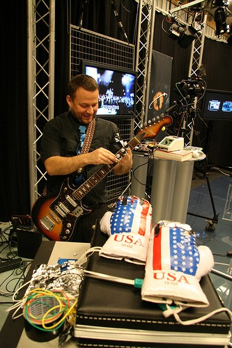 Finjustering av gitaren og fingerkontaktene